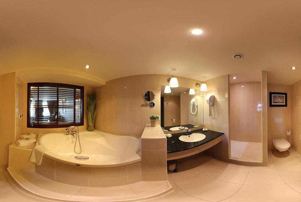 salle de bain de la chambre n°1